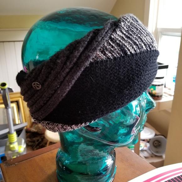 e14223461d2 lululemon athletica Accessories - Lululemon Merino Wool Winter Headband  Ponytail